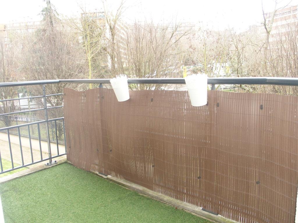 Appartement à louer 3 60m2 à Fontenay-le-Fleury vignette-4