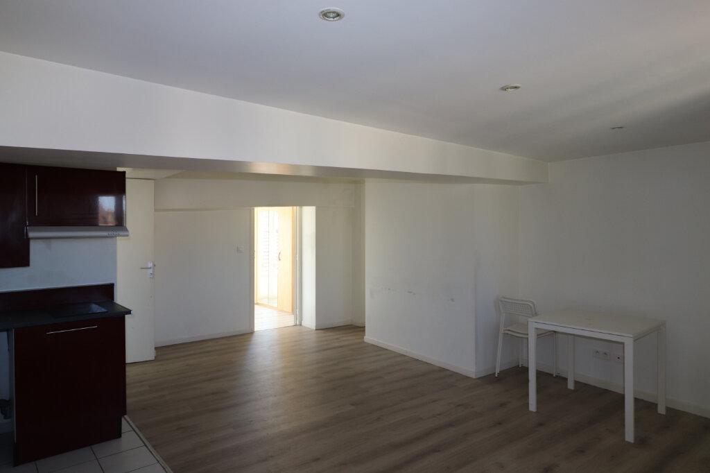 Appartement à louer 2 39.06m2 à Coulommiers vignette-2