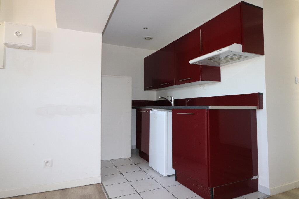 Appartement à louer 2 39.06m2 à Coulommiers vignette-3