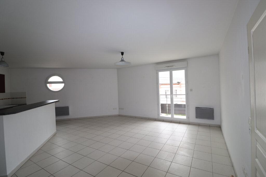 Appartement à louer 3 68.84m2 à Coulommiers vignette-1