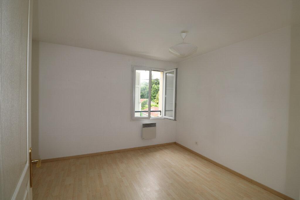 Appartement à louer 3 68.84m2 à Coulommiers vignette-5