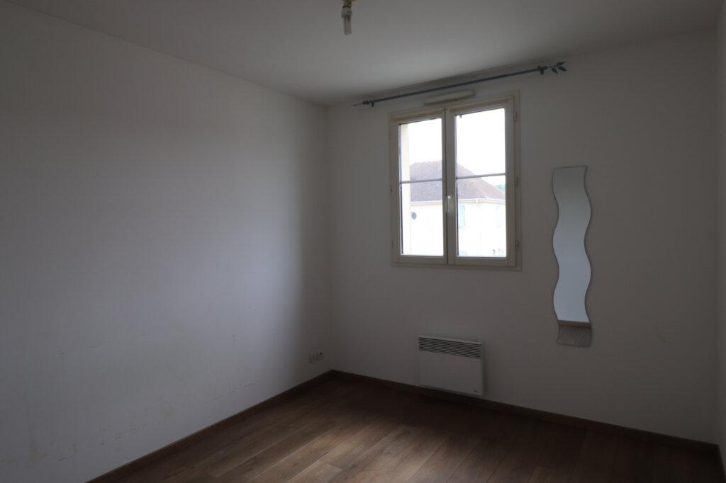Appartement à louer 3 56.4m2 à Coulommiers vignette-4