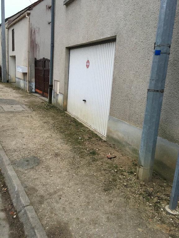 Appartement à louer 1 30m2 à Guérard vignette-1