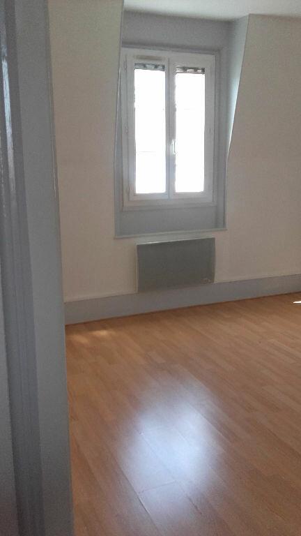 Appartement à louer 2 49m2 à Coulommiers vignette-2
