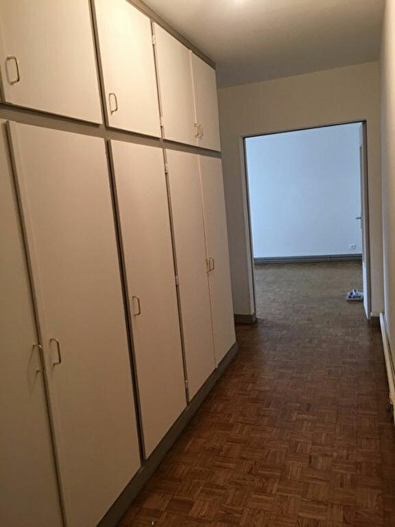 Appartement à louer 3 84m2 à Coulommiers vignette-2