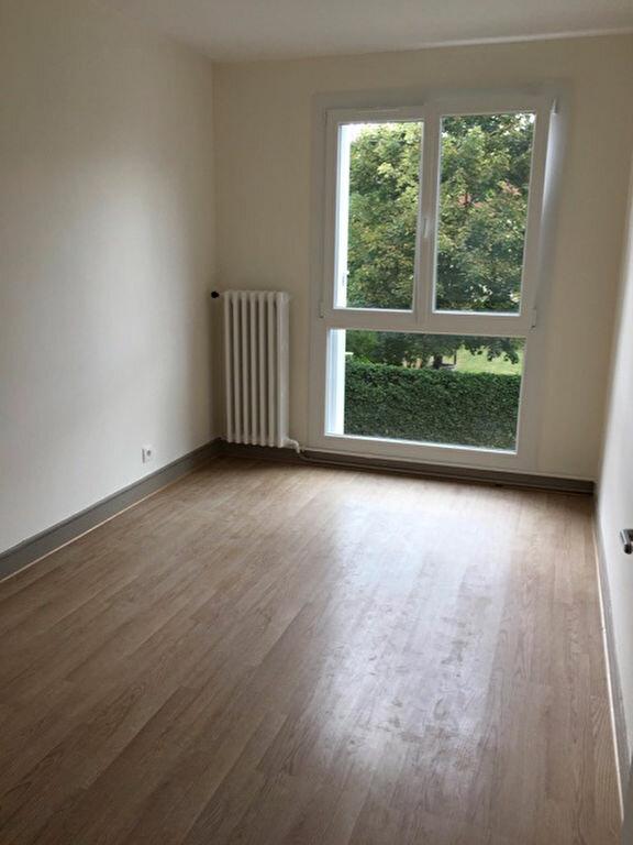 Appartement à louer 3 84m2 à Coulommiers vignette-8