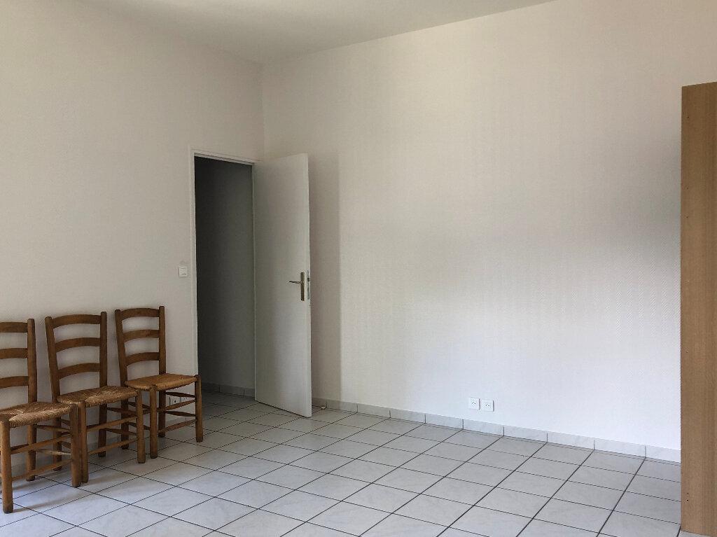 Appartement à louer 1 25m2 à Faremoutiers vignette-2