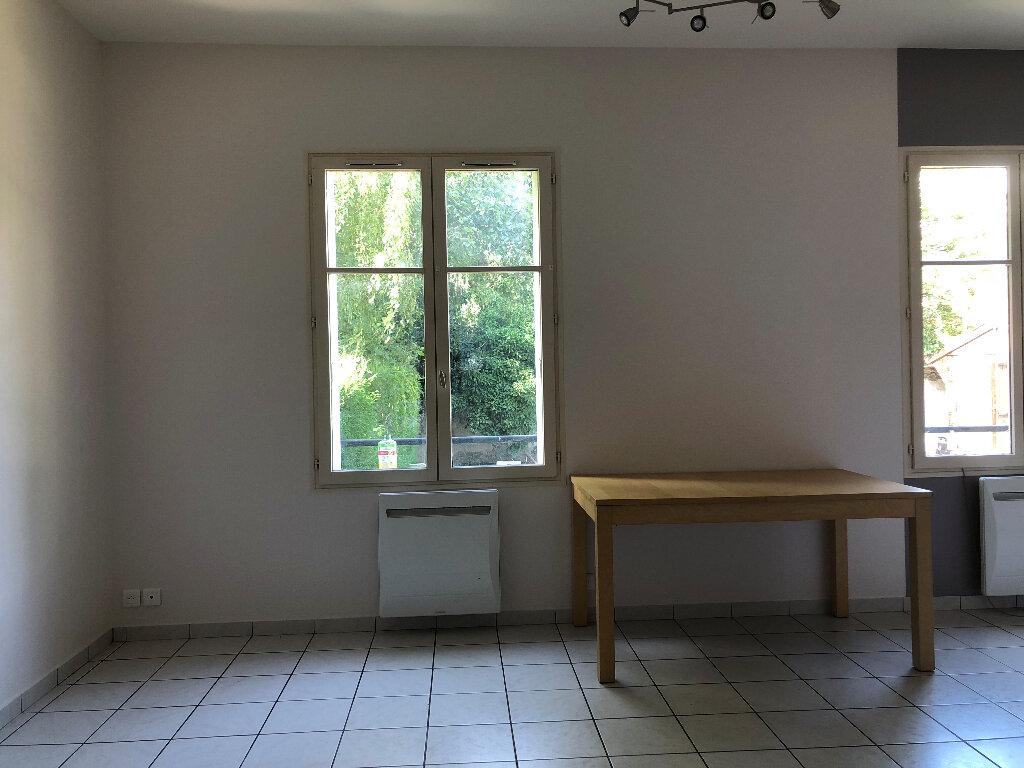 Appartement à louer 1 25m2 à Faremoutiers vignette-3