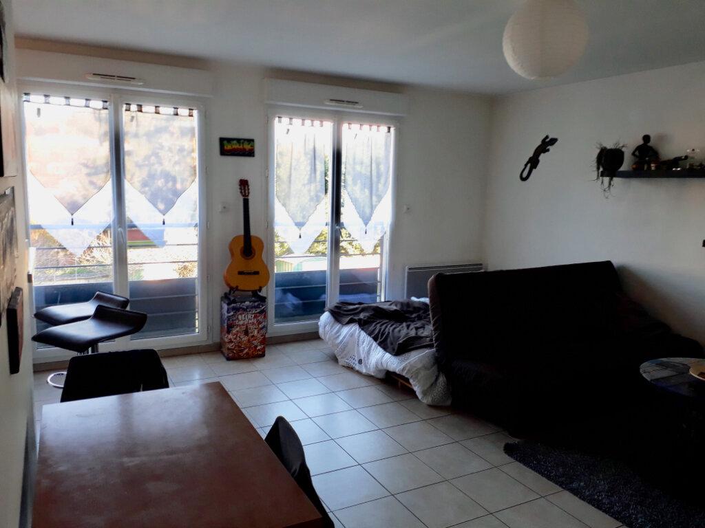 Appartement à louer 1 39.4m2 à Coulommiers vignette-3