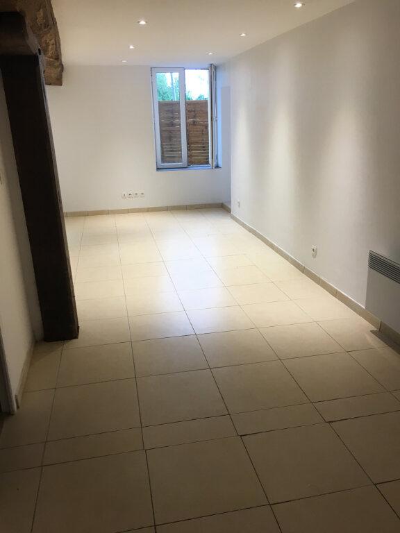 Appartement à louer 1 37m2 à Guérard vignette-2