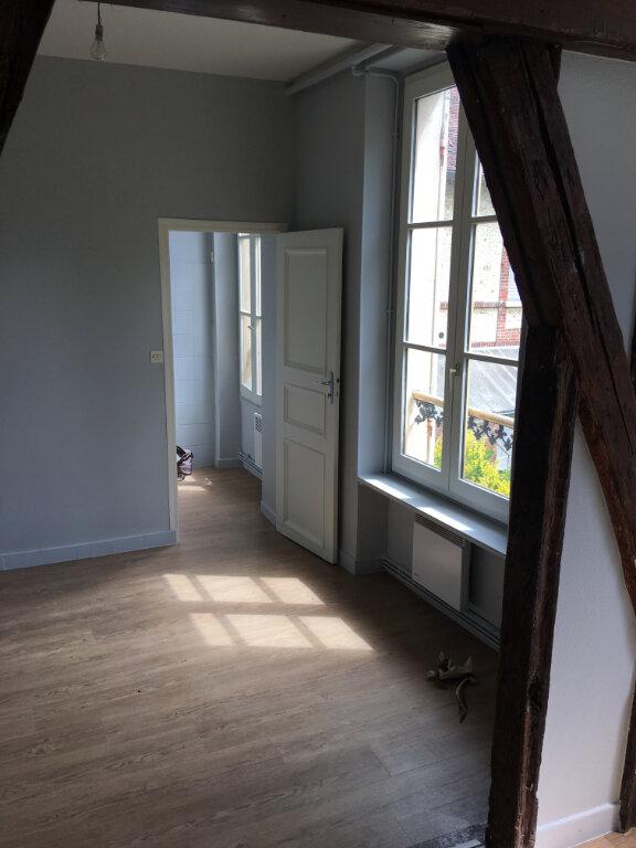 Appartement à louer 2 30m2 à La Ferté-Gaucher vignette-3