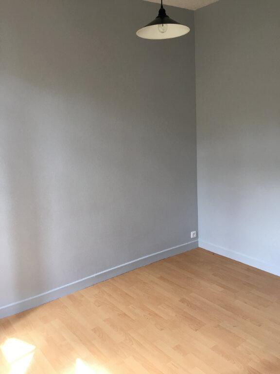Appartement à louer 2 30m2 à La Ferté-Gaucher vignette-5