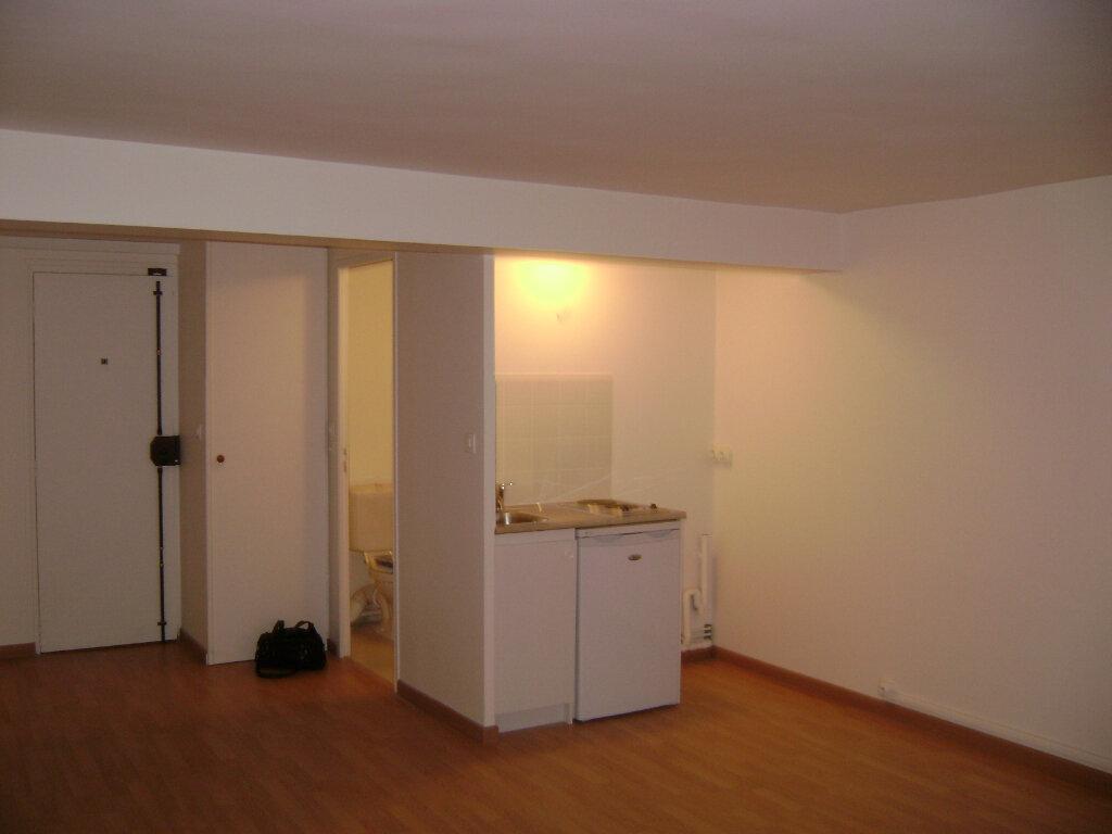Appartement à louer 1 29.46m2 à Coulommiers vignette-1