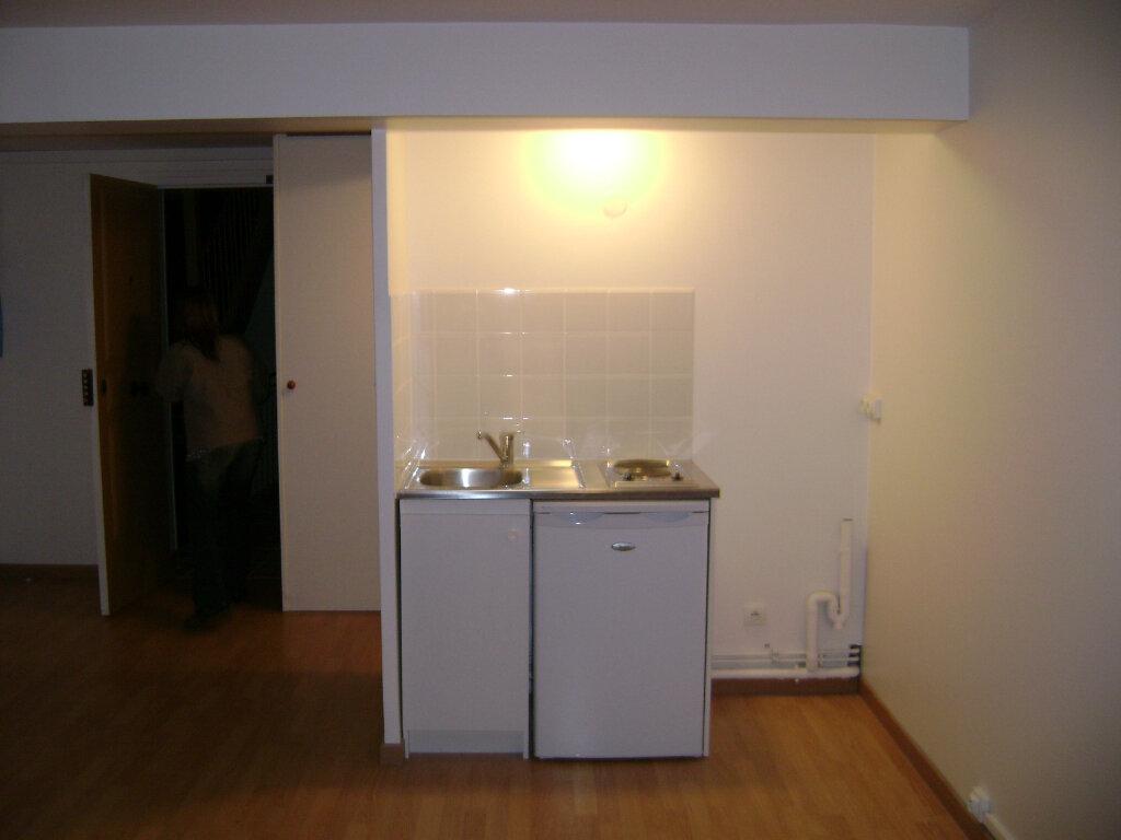 Appartement à louer 1 29.46m2 à Coulommiers vignette-2