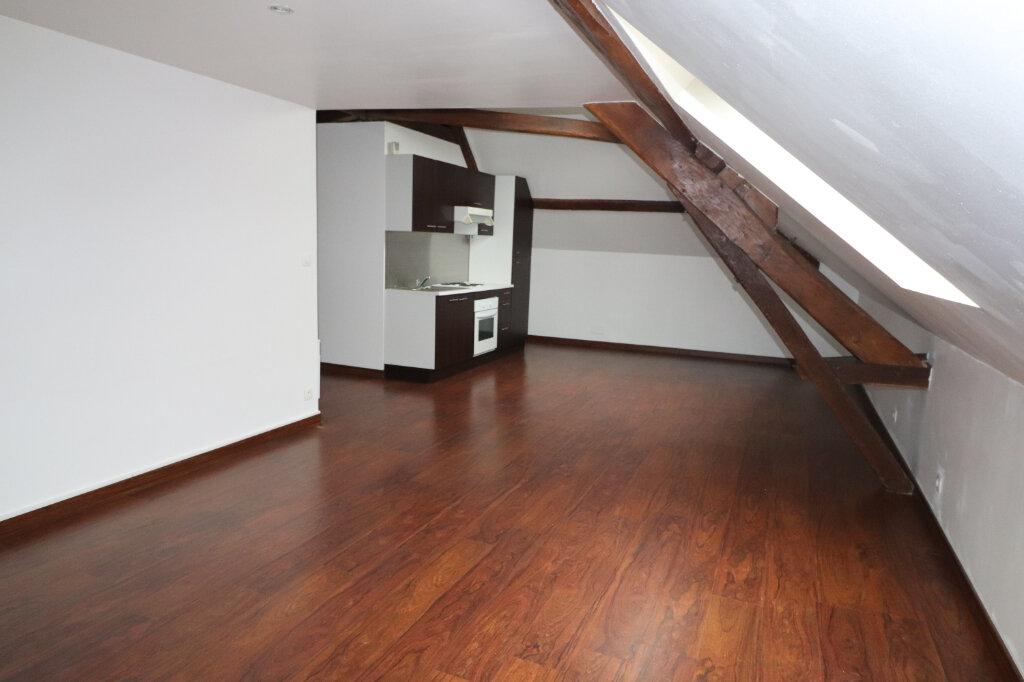 Appartement à louer 2 48.93m2 à Coulommiers vignette-1