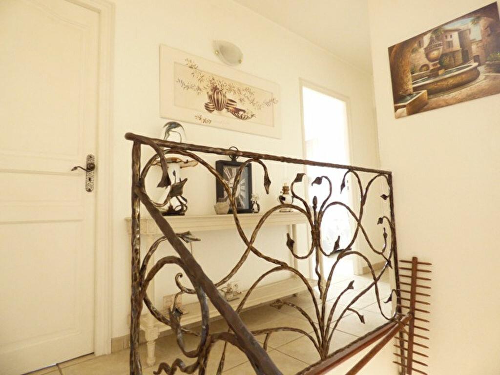 Maison à vendre 5 110.16m2 à Saint-Paul-de-Vence vignette-13