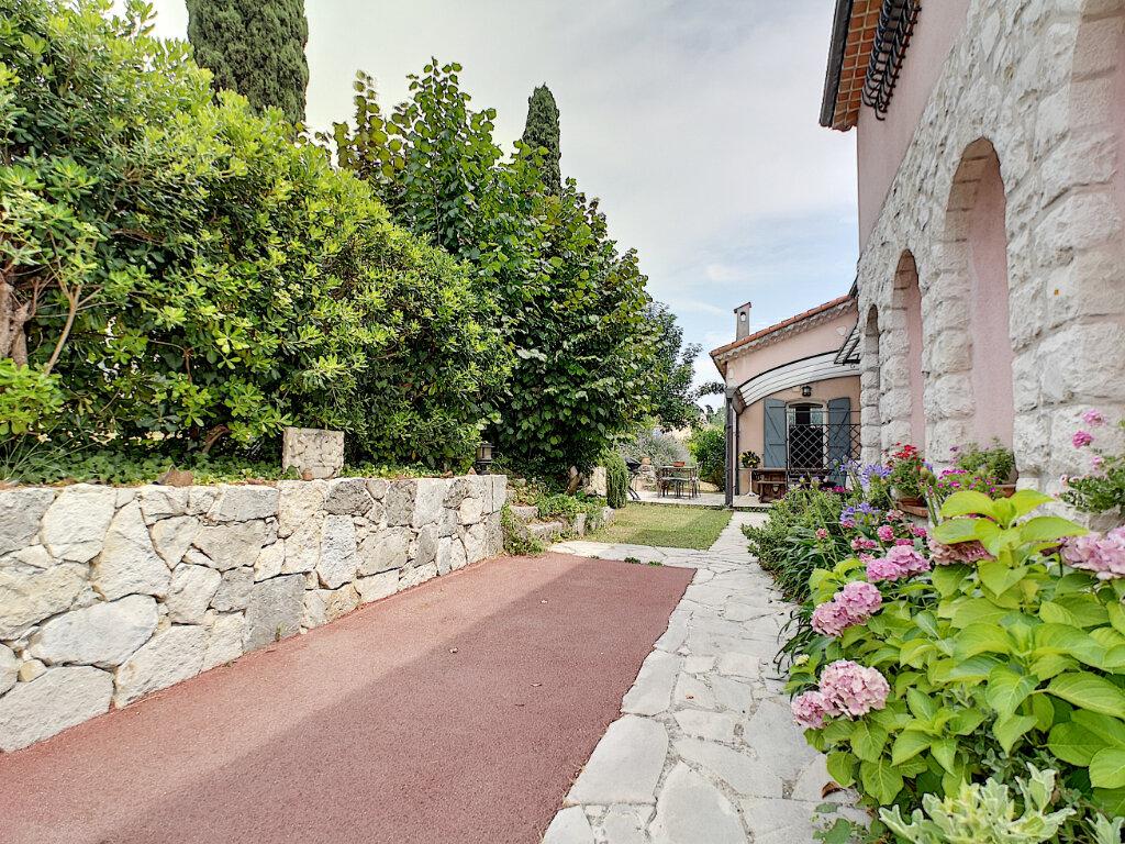 Maison à vendre 7 245m2 à Villeneuve-Loubet vignette-4