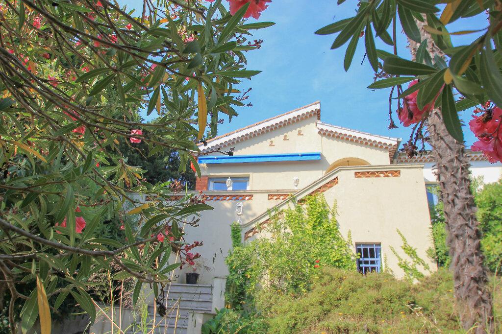 Maison à vendre 9 238m2 à Villeneuve-Loubet vignette-2