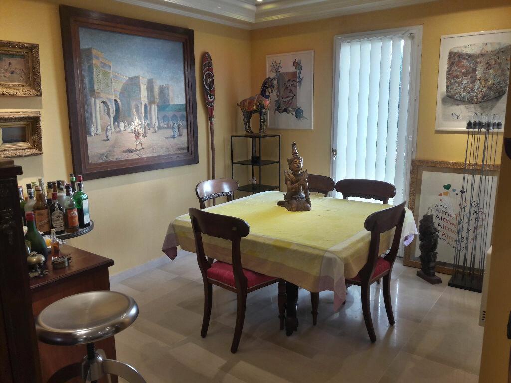 Appartement à vendre 4 106.85m2 à Villeneuve-Loubet vignette-6