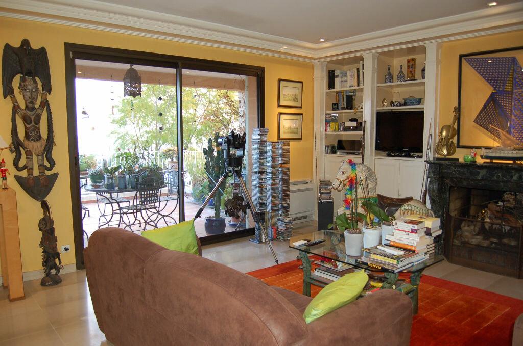 Appartement à vendre 4 106.85m2 à Villeneuve-Loubet vignette-7