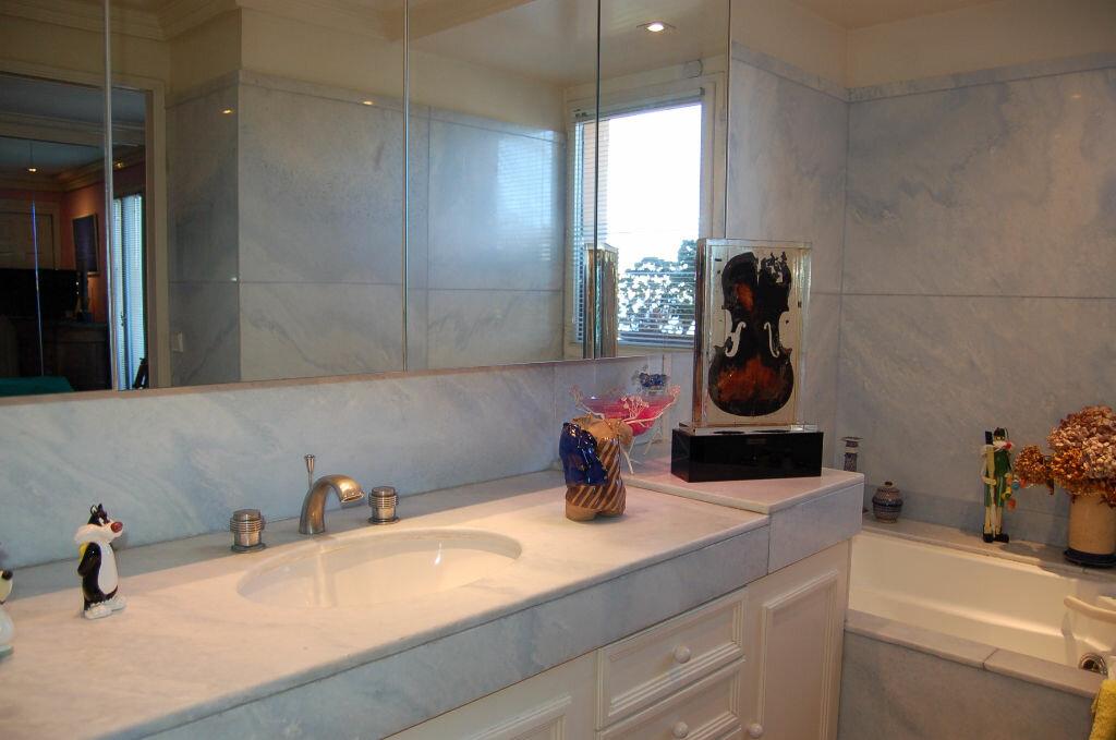 Appartement à vendre 4 106.85m2 à Villeneuve-Loubet vignette-8
