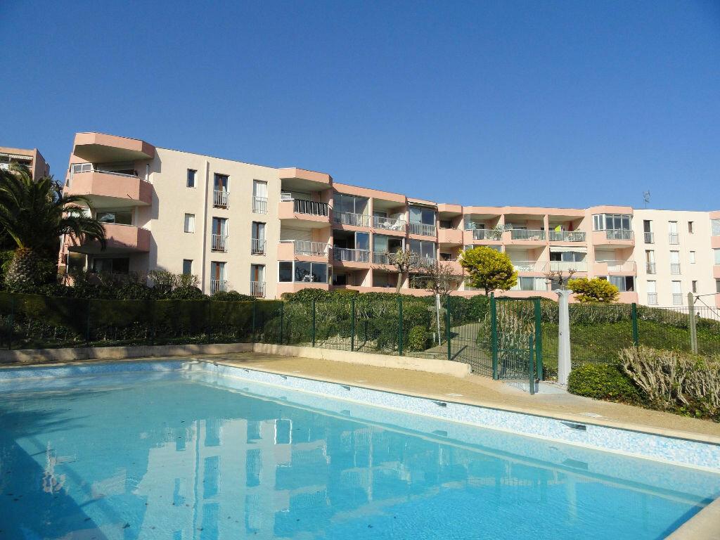 Appartement à vendre 1 25m2 à Villeneuve-Loubet vignette-4