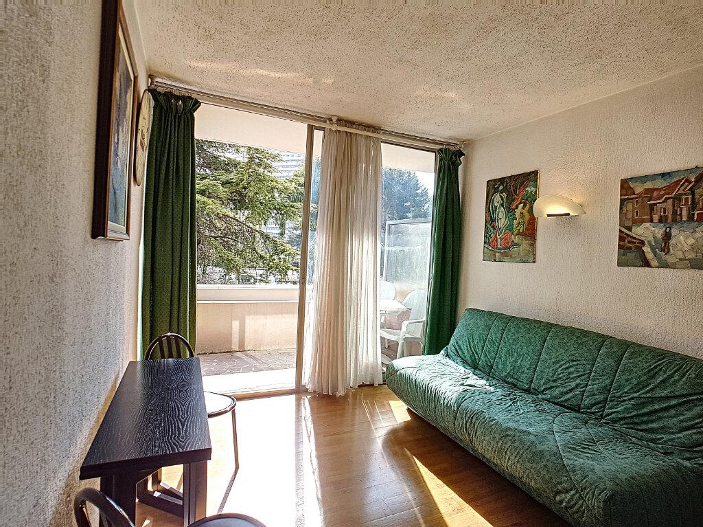Appartement à vendre 2 25m2 à Villeneuve-Loubet vignette-3