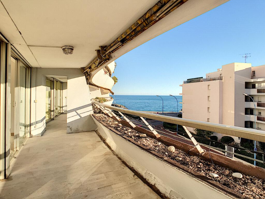Appartement à vendre 4 109.66m2 à Villeneuve-Loubet vignette-1