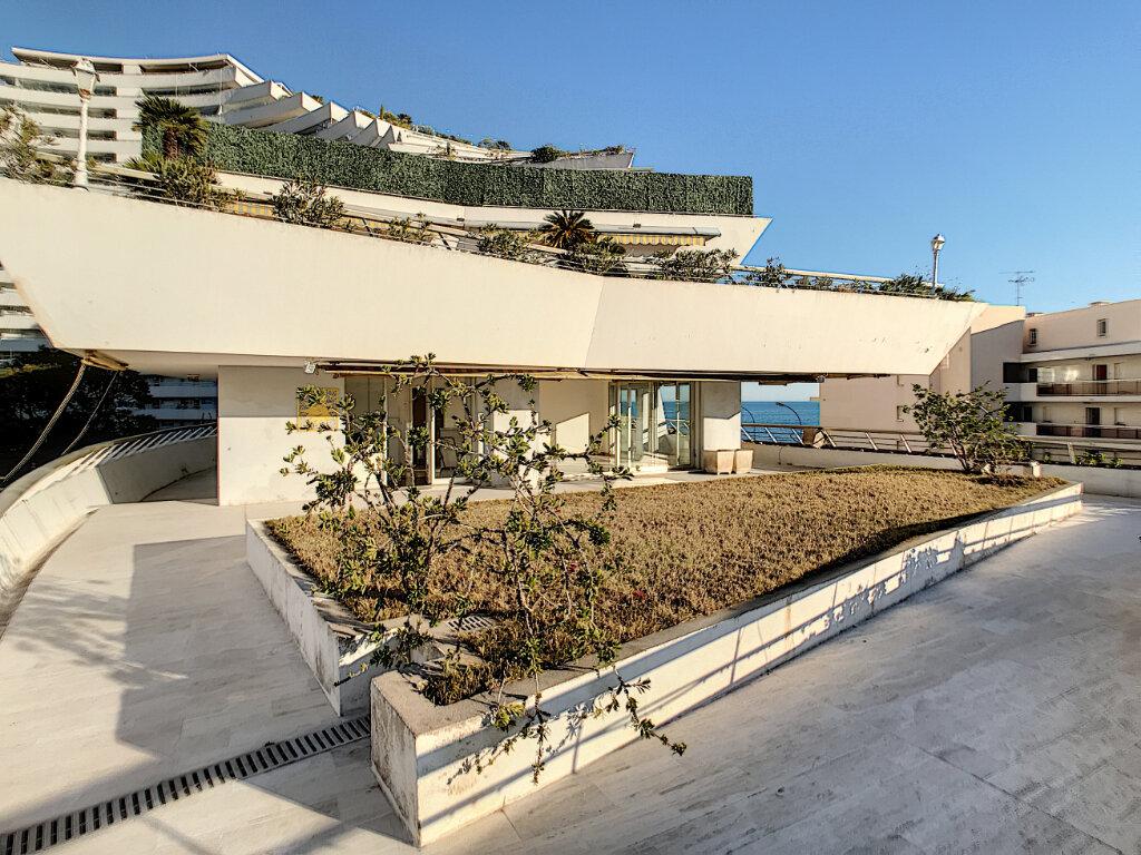 Appartement à vendre 4 109.66m2 à Villeneuve-Loubet vignette-2