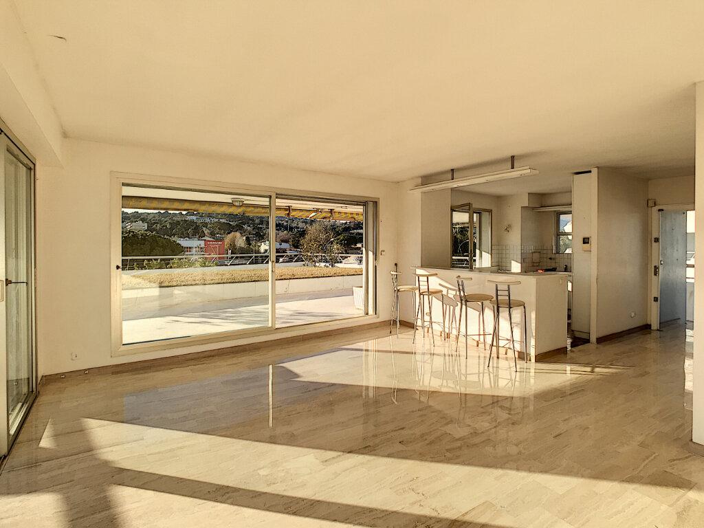 Appartement à vendre 4 109.66m2 à Villeneuve-Loubet vignette-8