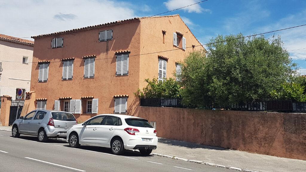 Maison à vendre 8 240m2 à Villeneuve-Loubet vignette-2