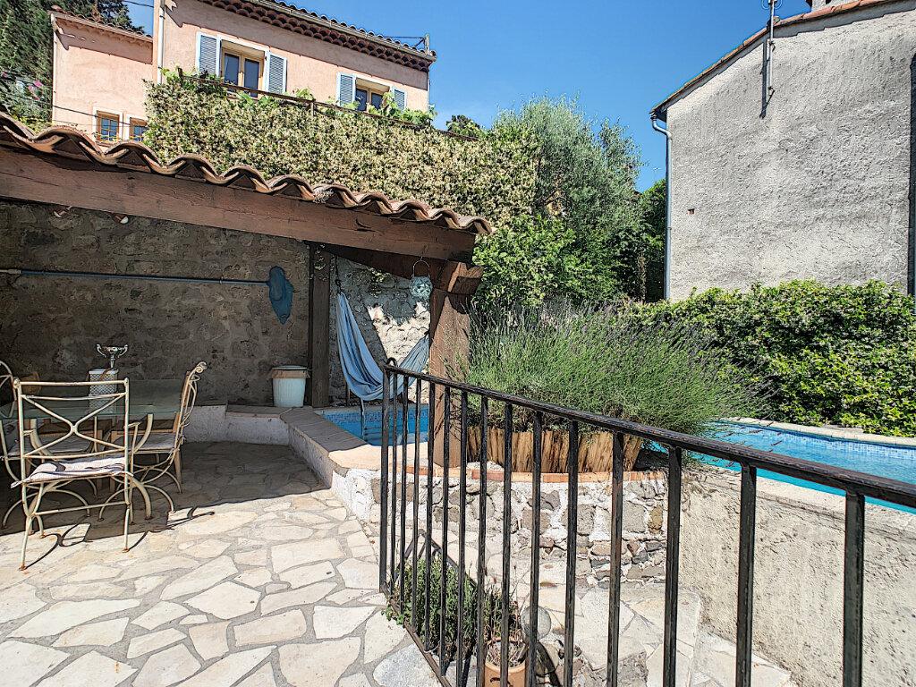 Maison à vendre 8 178m2 à Villeneuve-Loubet vignette-2