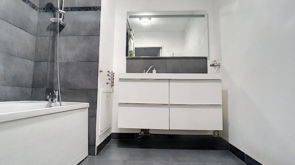 Appartement à vendre 3 66.29m2 à Villeneuve-Loubet vignette-6