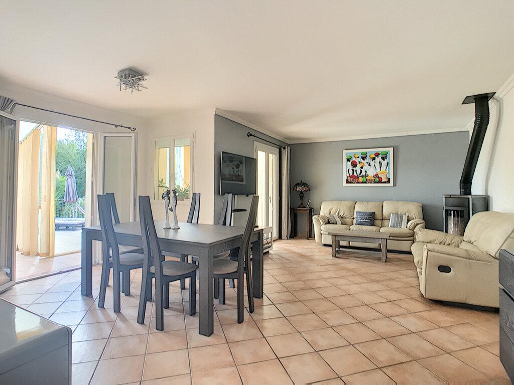Maison à vendre 5 125m2 à Cagnes-sur-Mer vignette-3