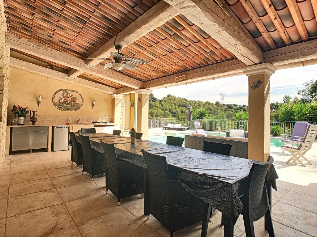 Maison à vendre 5 125m2 à Cagnes-sur-Mer vignette-6