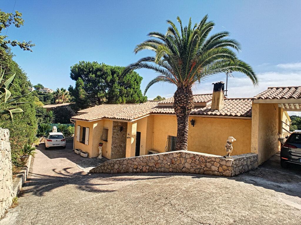 Maison à vendre 5 125m2 à Cagnes-sur-Mer vignette-7