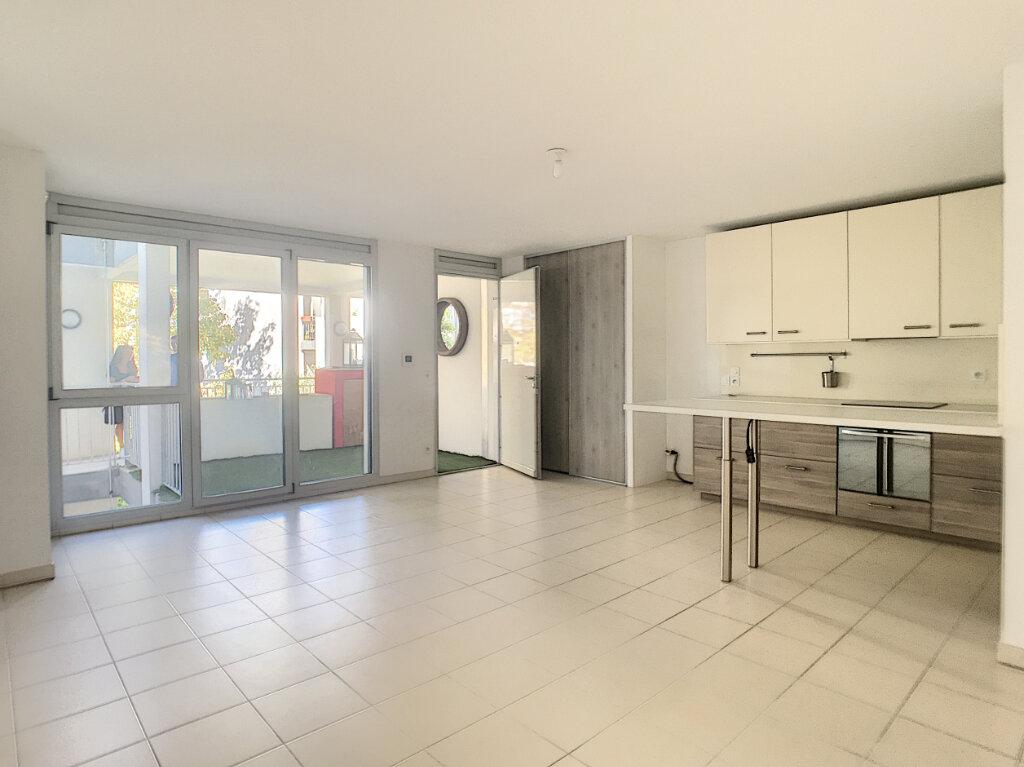 Appartement à vendre 3 66m2 à Villeneuve-Loubet vignette-1