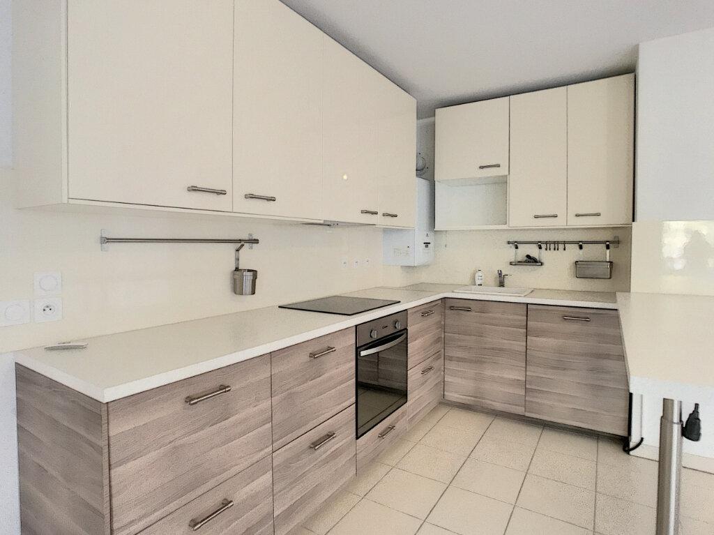 Appartement à vendre 3 66m2 à Villeneuve-Loubet vignette-3