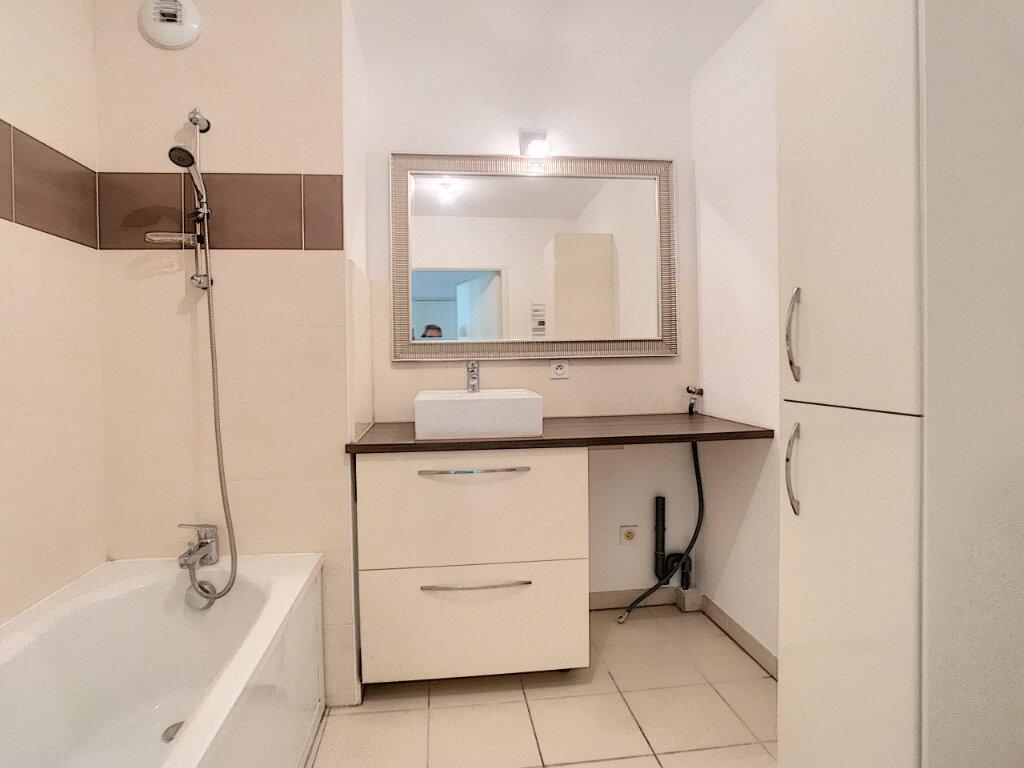 Appartement à vendre 3 66m2 à Villeneuve-Loubet vignette-6
