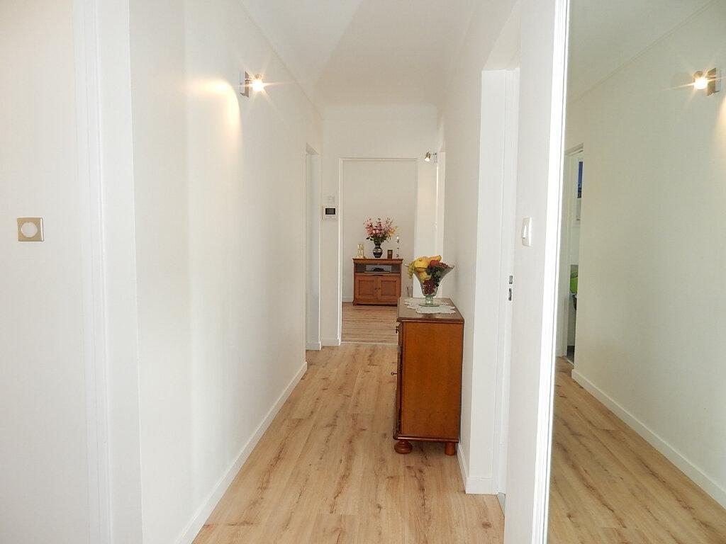 Appartement à louer 6 104m2 à Longeville-lès-Metz vignette-5