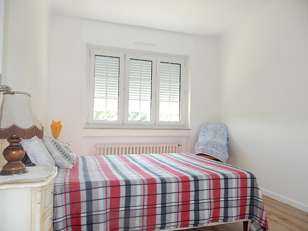 Appartement à louer 6 104m2 à Longeville-lès-Metz vignette-6