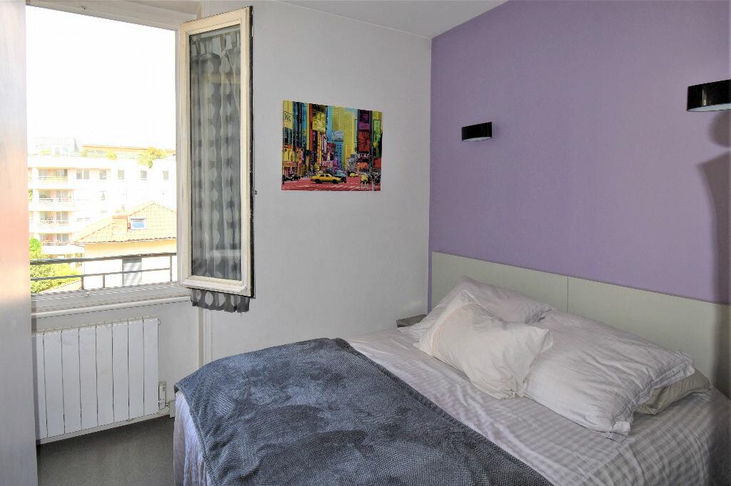Appartement à louer 2 33.42m2 à Lyon 3 vignette-3