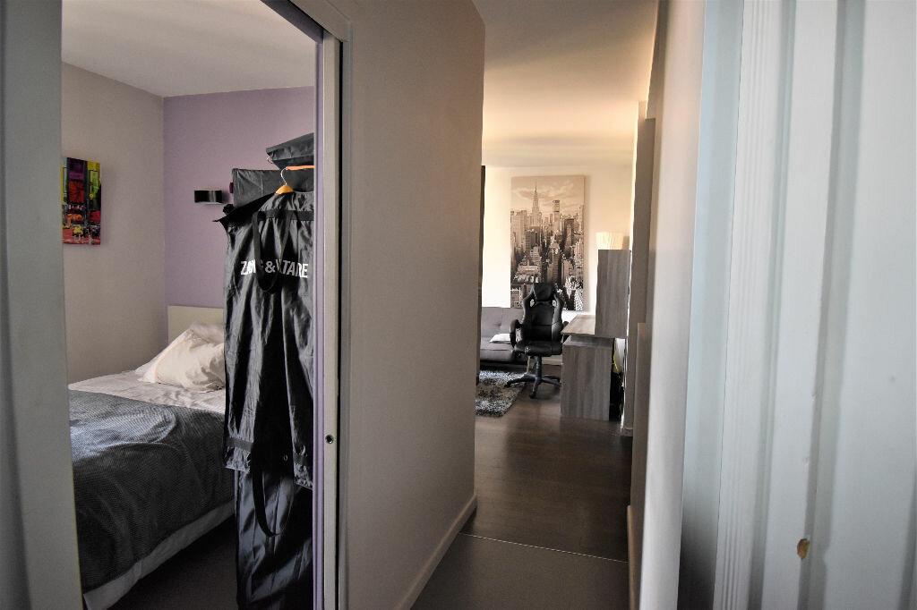 Appartement à louer 2 33.42m2 à Lyon 3 vignette-5