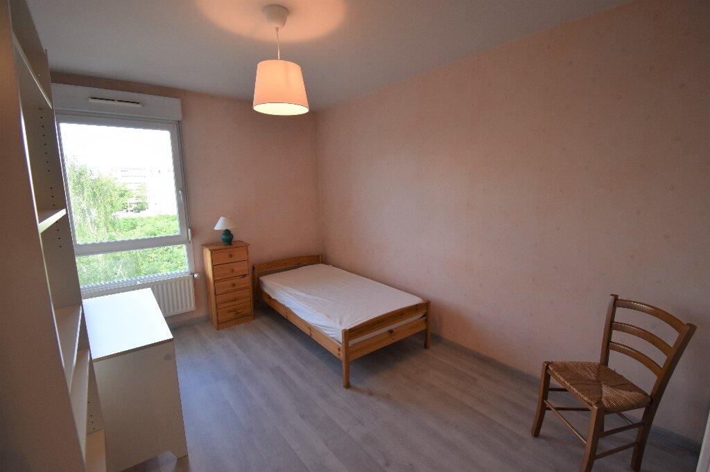 Appartement à louer 3 66.5m2 à Lyon 8 vignette-8