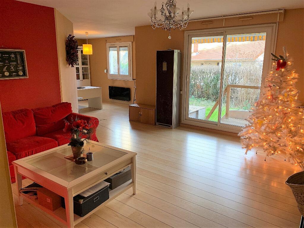 Appartement à vendre 4 100m2 à Lyon 8 vignette-2
