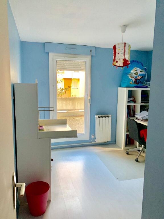 Appartement à vendre 4 100m2 à Lyon 8 vignette-6