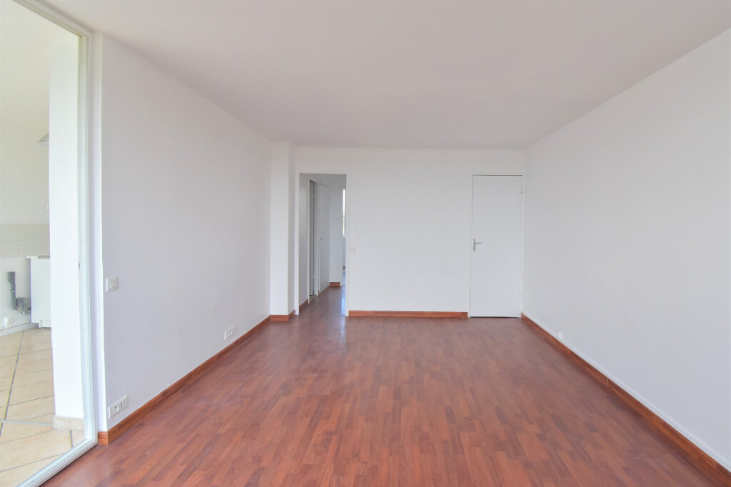 Appartement à louer 3 62m2 à Bron vignette-5