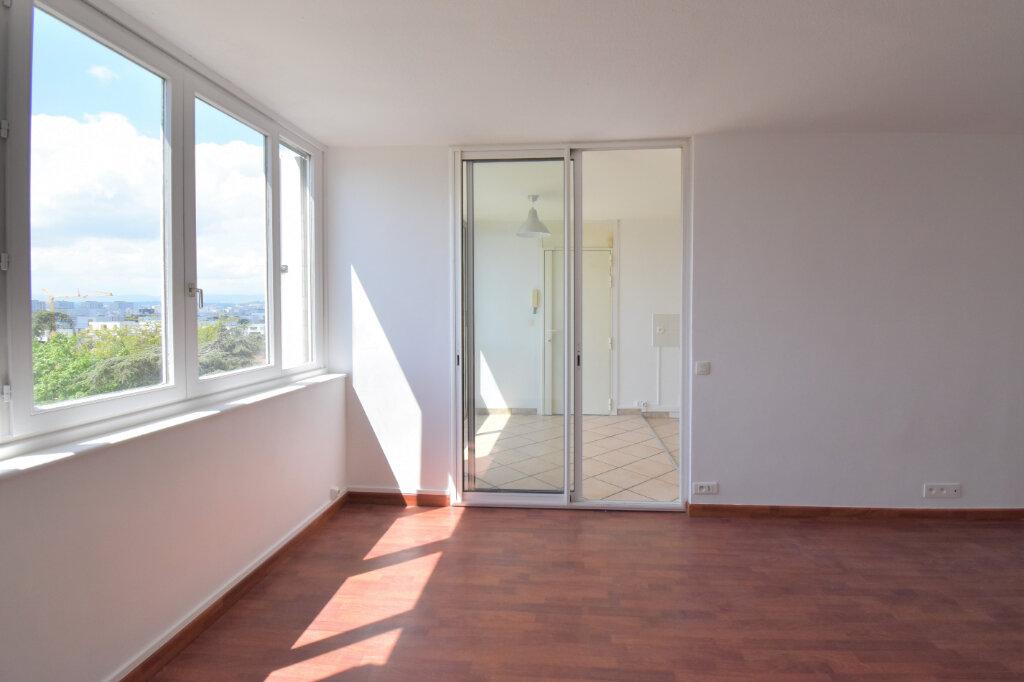 Appartement à louer 3 62m2 à Bron vignette-6