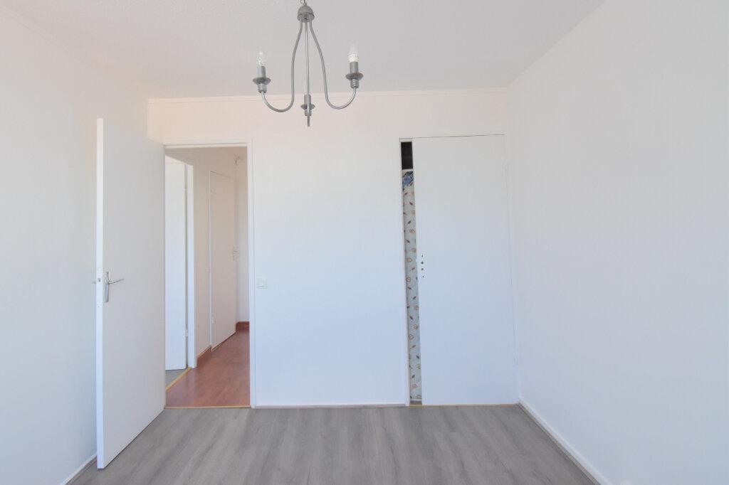 Appartement à louer 3 62m2 à Bron vignette-11