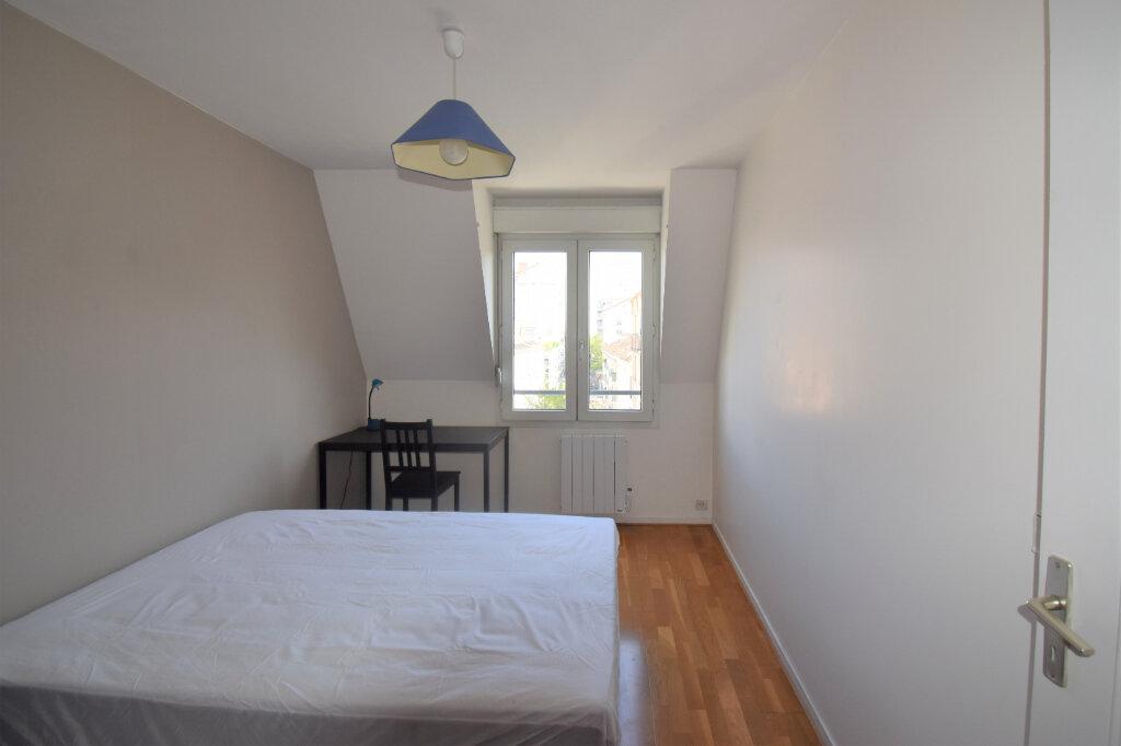 Appartement à louer 4 105m2 à Lyon 8 vignette-13